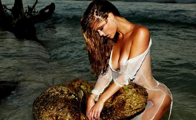 נינה אגדל חושפת הכל בחוף הים