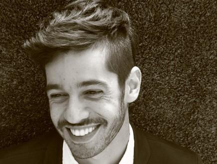 שי גבסו מחייך (צילום: ברק רובין)