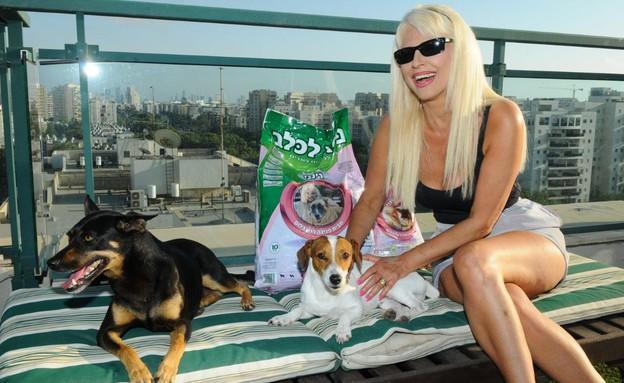 פנינה רוזנבלום משיקה אוכל לכלבים (צילום: ברק פכטר)