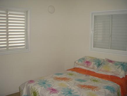 השבחת נכס, טלי ורקפת, לפני חדר שינה, צילום ביתי
