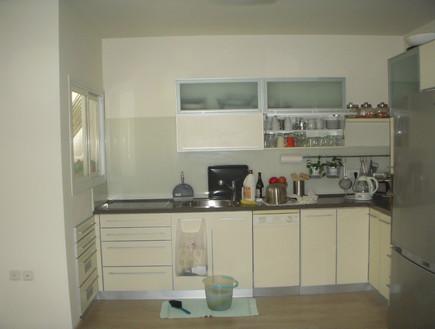 השבחת נכס, טלי ורקפת, לפני מטבח, צילום ביתי