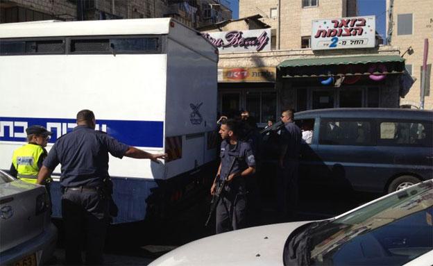 """רכב השב""""ס בירושלים, הבוקר (צילום: המייל האדום)"""