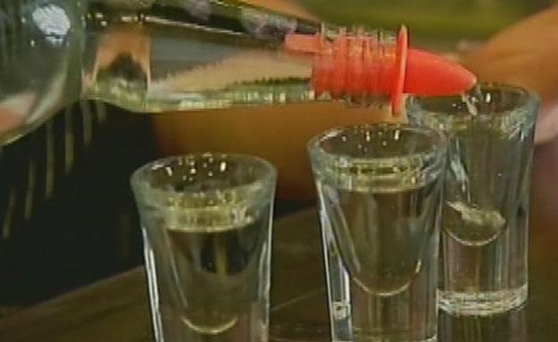 הפך למשקה של עשירים. ערק (צילום: חדשות 2)
