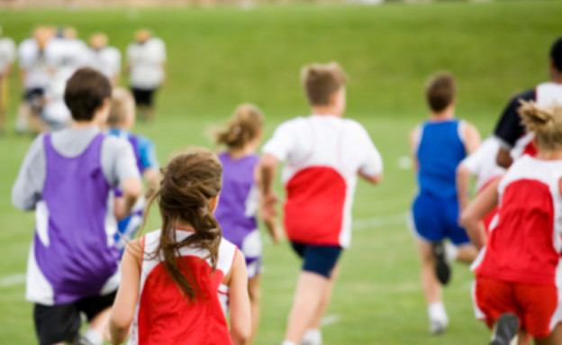 בני נוער ספורטאים בית ספר (צילום: אימג'בנק / Thinkstock)