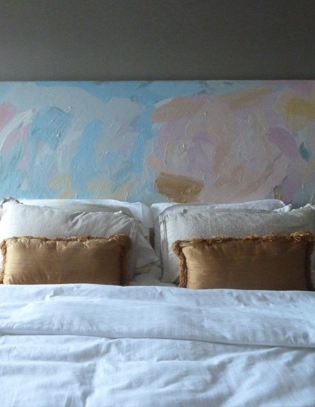 גב מיטה, ציור