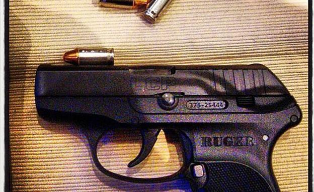 כלי נשק במכונות השיקוף (צילום: TSA Instagram)