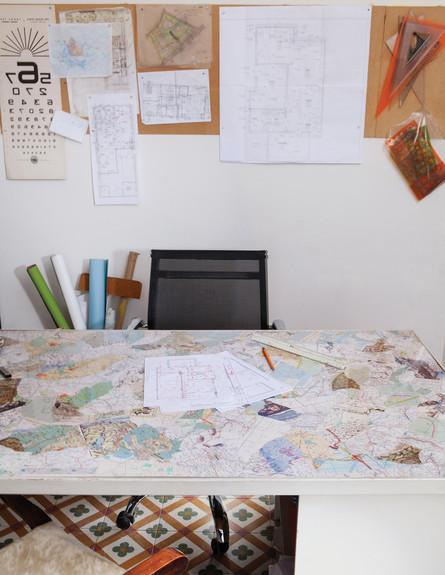 דירה בשוק, פינת עבודה שולחן (צילום: טל ניסים)