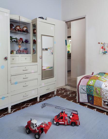דירה בשוק, חדר ילדים גובה (צילום: טל ניסים)