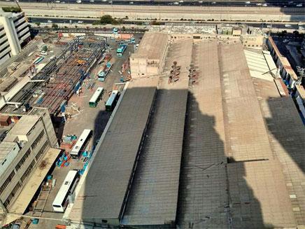 גג האסבסט במפעל