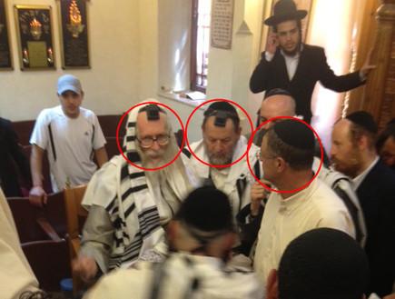 הרב אליעזר ברלנד, ז'קי קדוש וגבי בן הרוש (צילום: תומר ושחר צלמים)