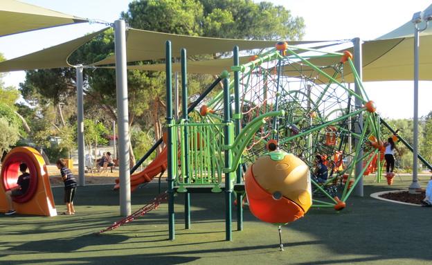 גן שעשועים, פארק החורשות, www.s-aronson.coמתקנים (צילום: www.s-aronson.co)