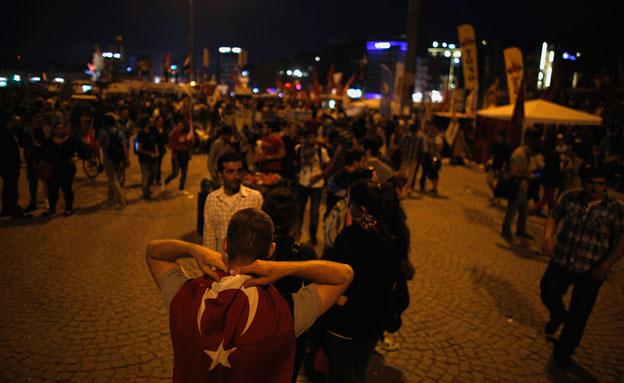 העימותים במרכז איסטנבול (צילום: רויטרס)