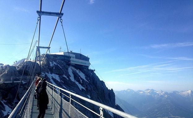 בין שמיים וארץ, גשר באוסטריה (צילום: dailymail.co.uk)