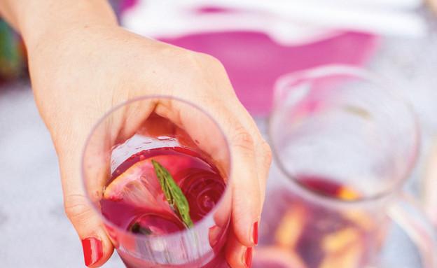 סיבות לאהוב את הקיץ - מוחיטו רימונים ורדרד (צילום: אילון פז, על השולחן)