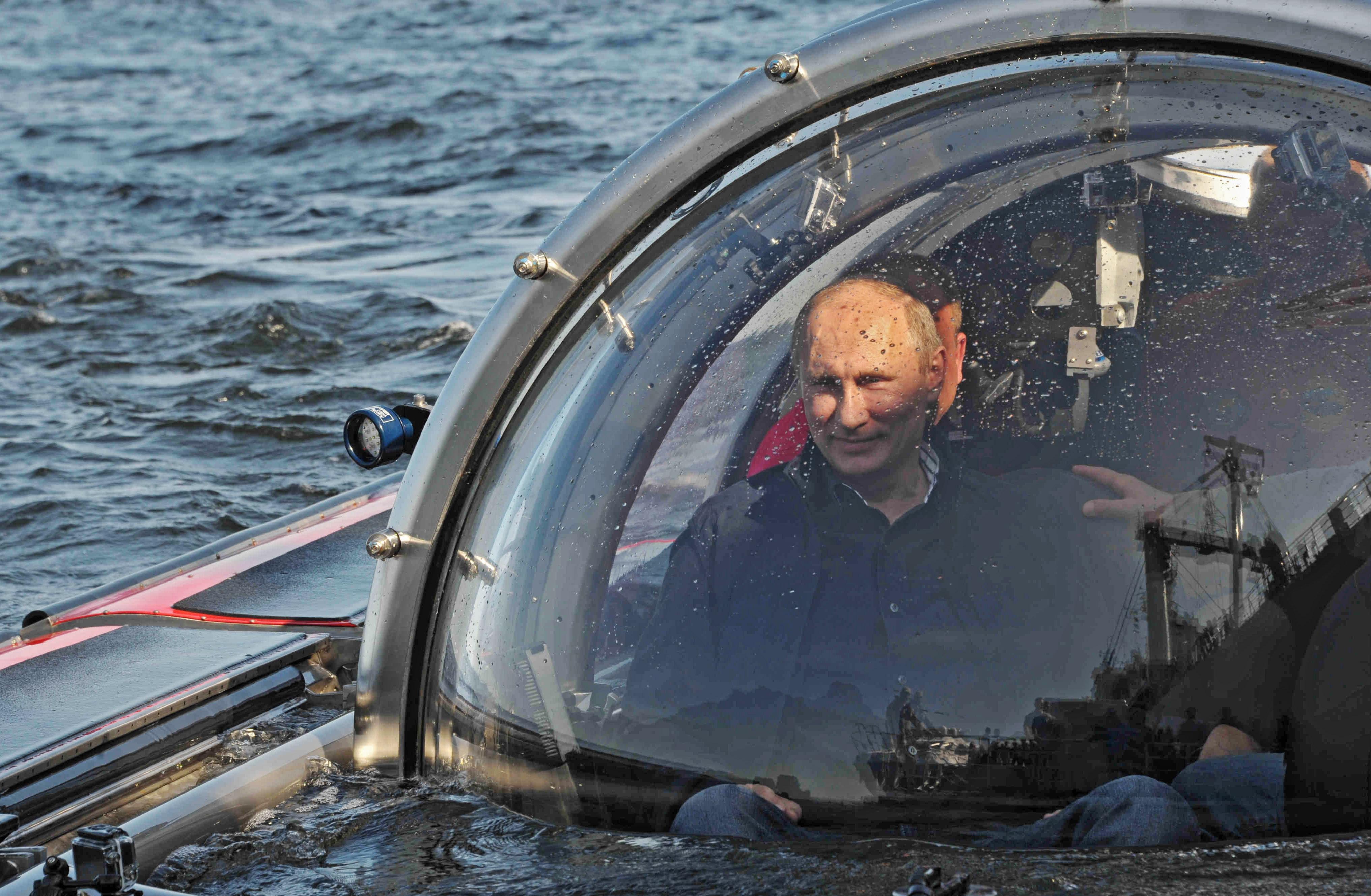 ולדימיר פוטין בצוללת
