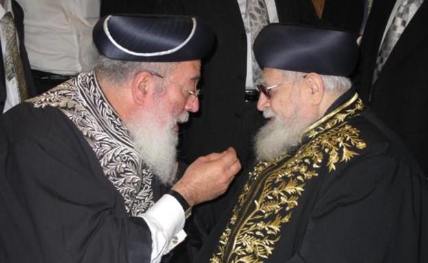 שלמה עמאר עם הרב (צילום: מאיר אלפסי, אתר כיכר השבת)