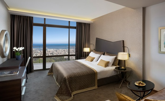 מלון דן כרמל החדש חדר דלקוס (צילום: אורי אקרמן)