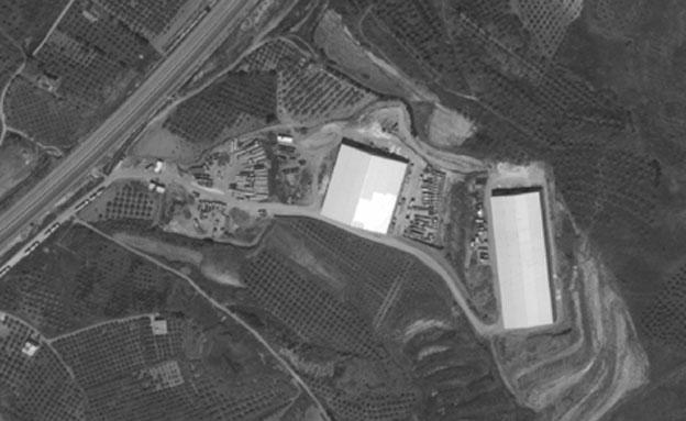 מחסן הנשק שהופצץ בלטקיה (צילום: דיגיטל גלוב)