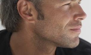 גבר שמח (צילום: אימג'בנק / Thinkstock)