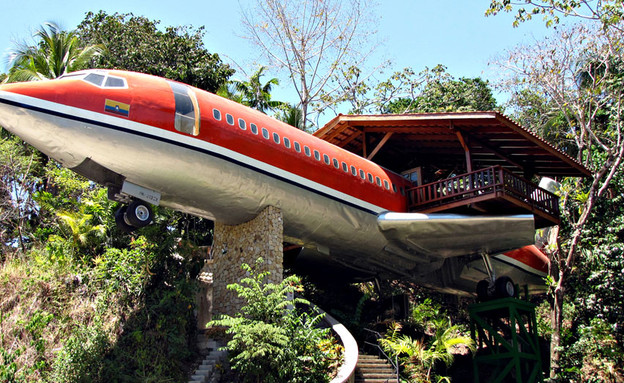 מטוס מלון, חוץ מדרגות (צילום: costaverde.com)