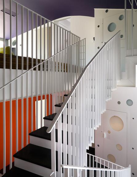 אנטונלה, מדרגות גובה (צילום: Mario Ciampi)