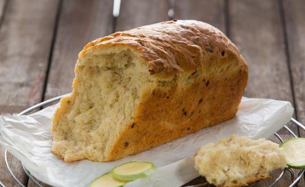 לחם קישואים של אביבה פיבקו (צילום: בני גם זו לטובה, אוכל טוב)