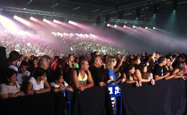 יום האודישנים הגדול הכוכב הבא הקהל ממתין לתורו (צילום: רועי מדלי, פייסבוק)