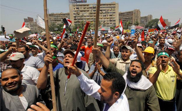 הפגנת תמיכה במוחמד מורסי במצרים (צילום: חדשות 2)