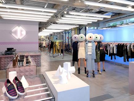 חנויות בגדים, אופן סרמוני נעליים (צילום: redfishagency)
