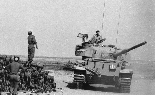טנק ישראלי בסיני במלחמת יום כיפור (צילום: Harry Dempster, GettyImages IL)