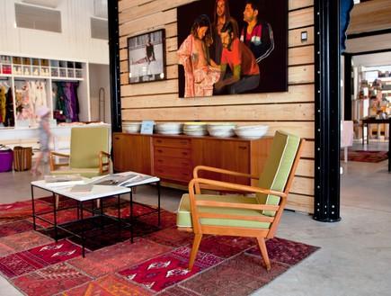 חנויות בגדים, בית בנמל כיסא, צילום יעל אילן (צילום: יעל אילן)