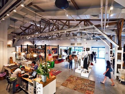 חנויות בגדים, בית בנמל, צילום איתי סיקולסקי (צילום: איתי סיקולסקי)