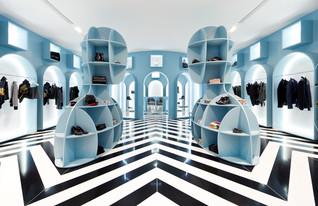 חנויות בגדים, היט (צילום: Dennis Lo)