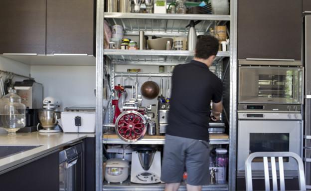 גלית, מטבח ארון כלים 1 (צילום: רינת שניידובר)