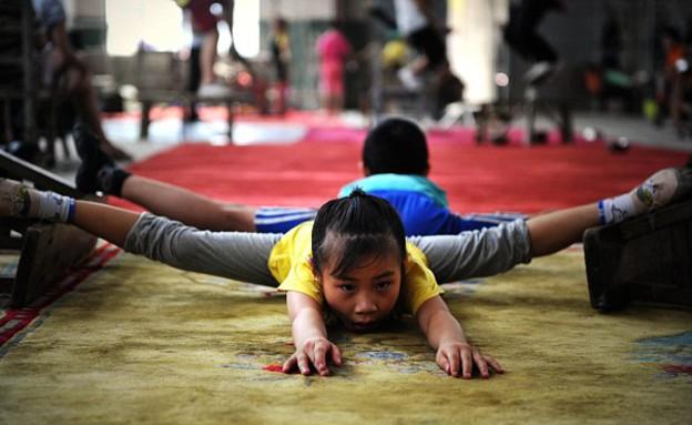 ילדה סינית בת 7 (צילום: .dailymail.co.uk)