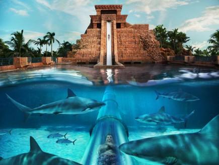 מעבר מתחת למים, מקדש מגלשה