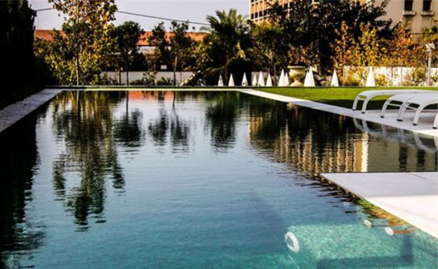 הבית היקר בישראל, בריכה (צילום: באדיבות אלון דנין, משרד גלי תכלת)