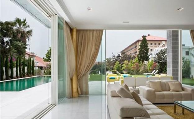הבית היקר בישראל, סלון (צילום: באדיבות אלון דנין, משרד גלי תכלת)