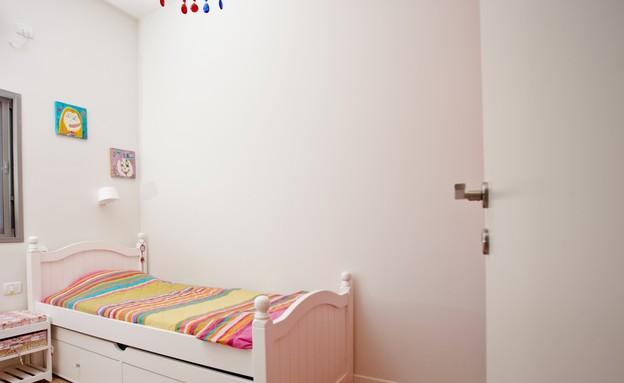 אייר שפירא, חדר ילדה (צילום: גיא שרייבר)