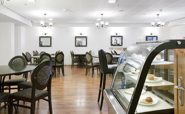 בית הקפה בלובי המלון, מלון כפר גלעדי