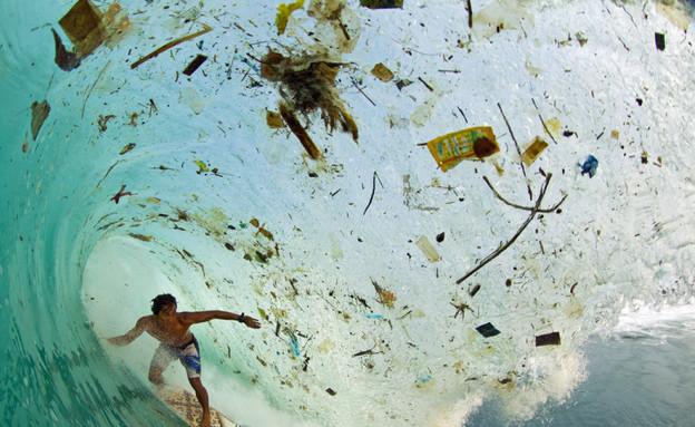 ים האשפה באינדונזיה (צילום: זאק נויל / huffingtonpost.com)