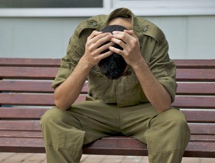 חייל בדיכאון (צילום: רועי ברקוביץ')