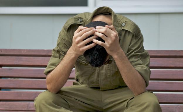 חייל בדיכאון