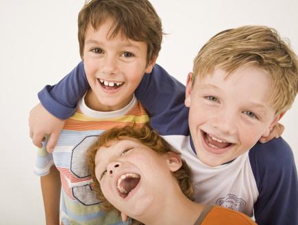ילדים צוחקים