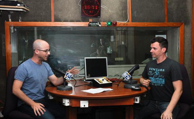 טייכר וזרחובית בתחנת הרדיו (צילום: גלית רוזן)