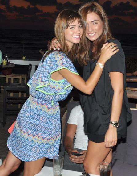 רוסלנה רודינה וקארין כהן (צילום: צ'ינו פפראצי)