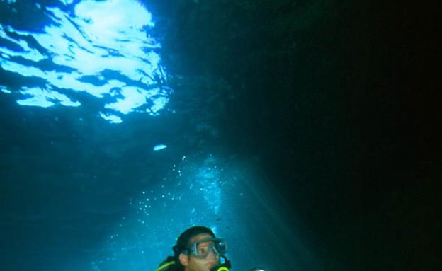 צלילה בנקרות, אתרי צלילה, קרדיט אמיר גור ואיציק יו (צילום: אמיר גור ואיציק יוגב)