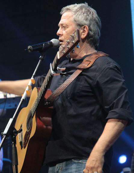 שלמה ארצי בהופעה באשדוד