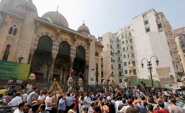 המסגד המכותר בכיכר רעמסס (צילום: חדשות 2)