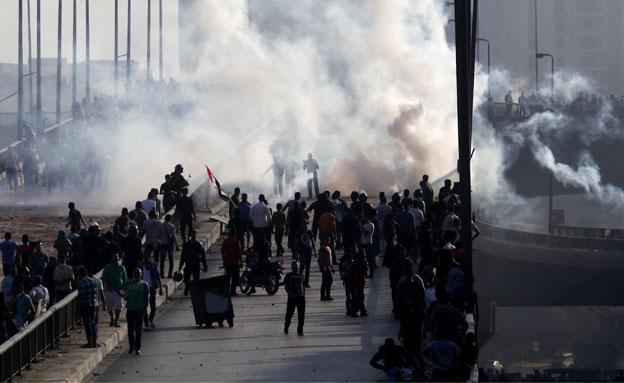המהומות במצרים נמשכות (צילום: רויטרס)